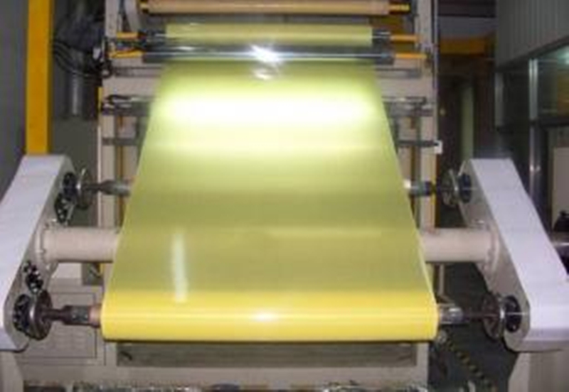 epoxy-glass-prepreg-in-the-machine
